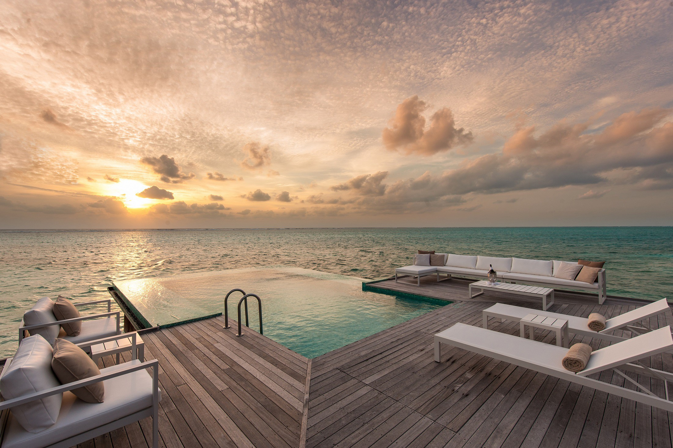 モルディブで人気のスタイリッシュデザインホテル特集!最高のホスピタリティに感動間違いなし
