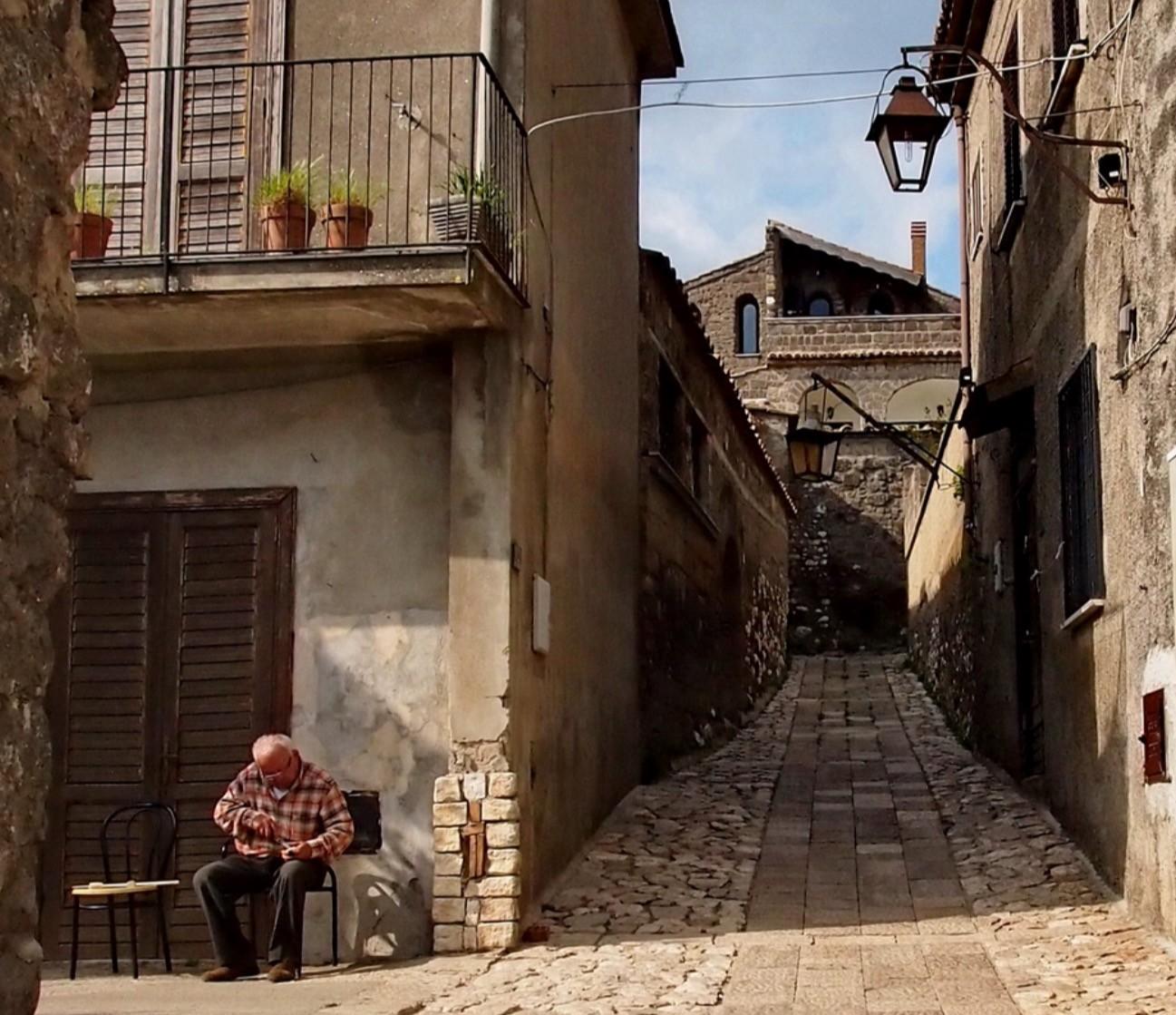 【イタリア】ナポリを見渡す中世の町『カゼルタヴェッキア』絶景スポット