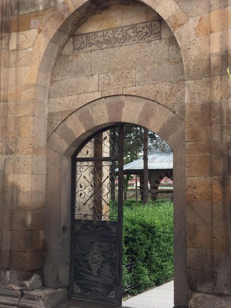 トルコ・ネヴシェヒルでオスマン建築観光なら「ダーマット・イブラヒム・パシャ・キュリエシ」に行くべし!
