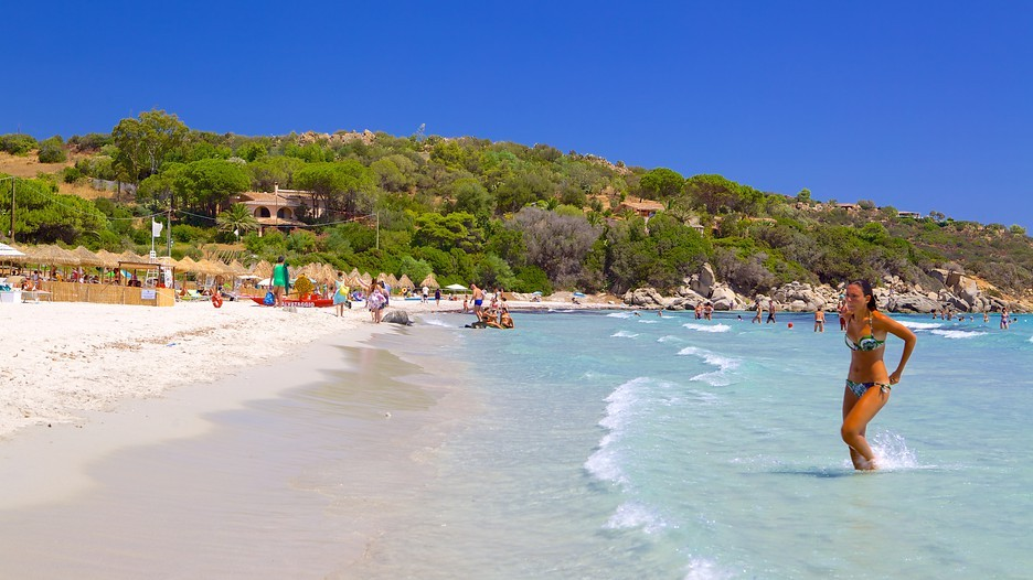 イタリア・サルデーニャ島まで行く価値あり!地中海で最も遠浅の透き通るビーチ!