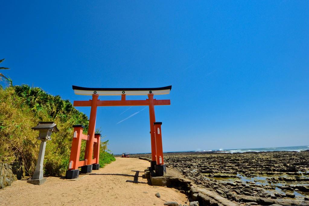 九州・宮崎旅行人気観光ハイライト「鬼の洗濯板」と青島特集!自然が創り出した不思議な光景を目の当たりに