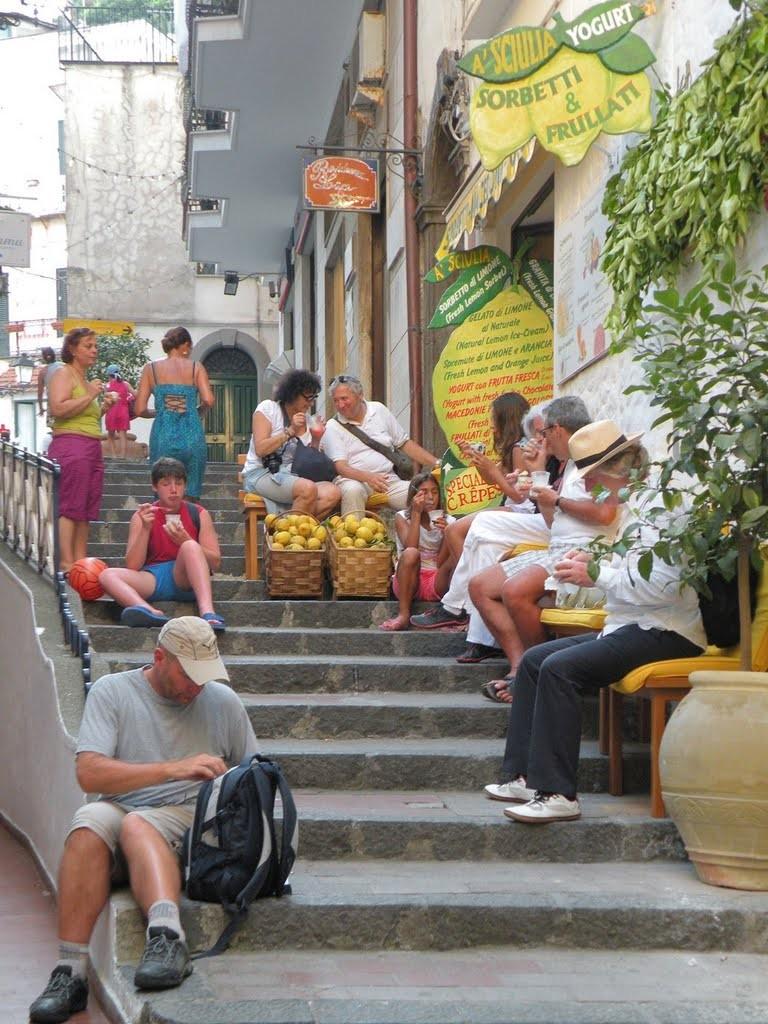 レモンの町 アマルフィで絶品レモンを満喫!《ジェラート編》-A'SCIULIA・Savoia -