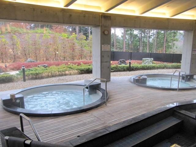 浜松市にある源泉掛け流し美肌の湯『あらたまの湯』は開放的な空間