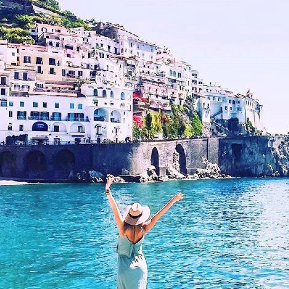 世界一美しいと称されるイタリア・アマルフィ海岸で絶景ビーチを満喫!