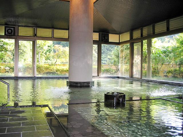 神奈川県湯河原にある個性豊かな日帰り温泉を楽しもう!