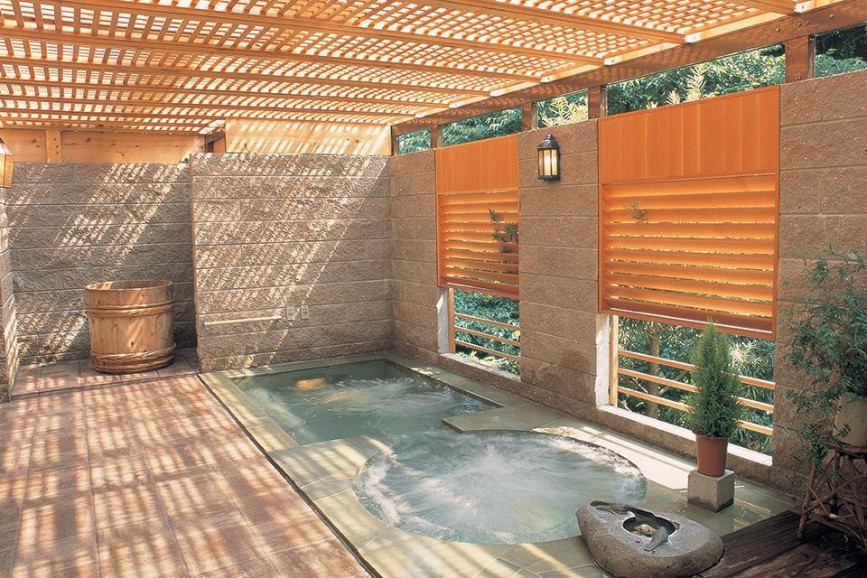オープンしたて!箱根熱海近郊の人気高級旅館でまったり休暇