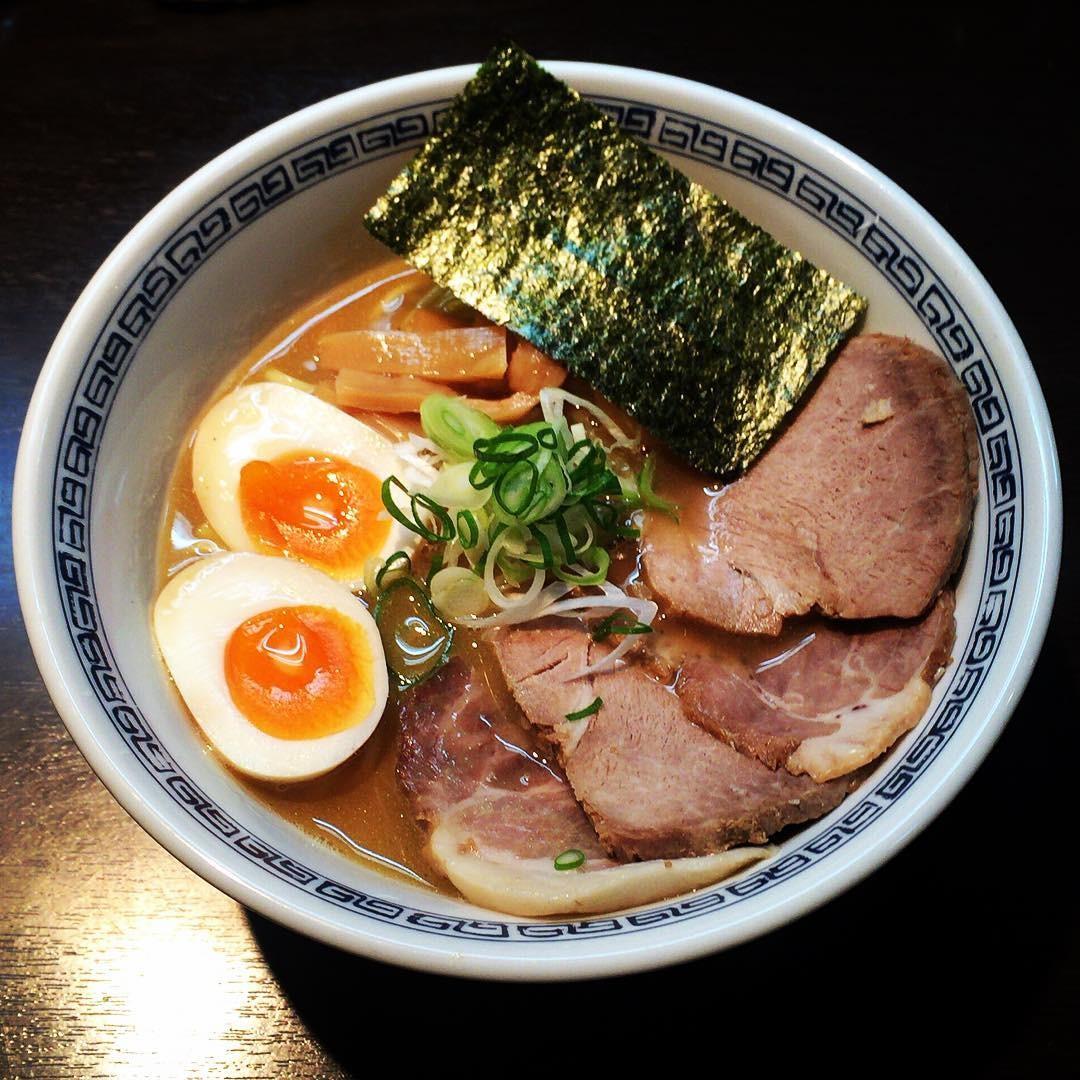 渋谷「はやし」は行列を並んでも食べるべき超人気ラーメン!