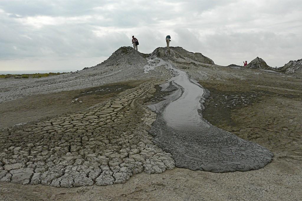 アゼルバイジャン・ゴブスタンの岩絵は先史時代の貴重な遺跡!