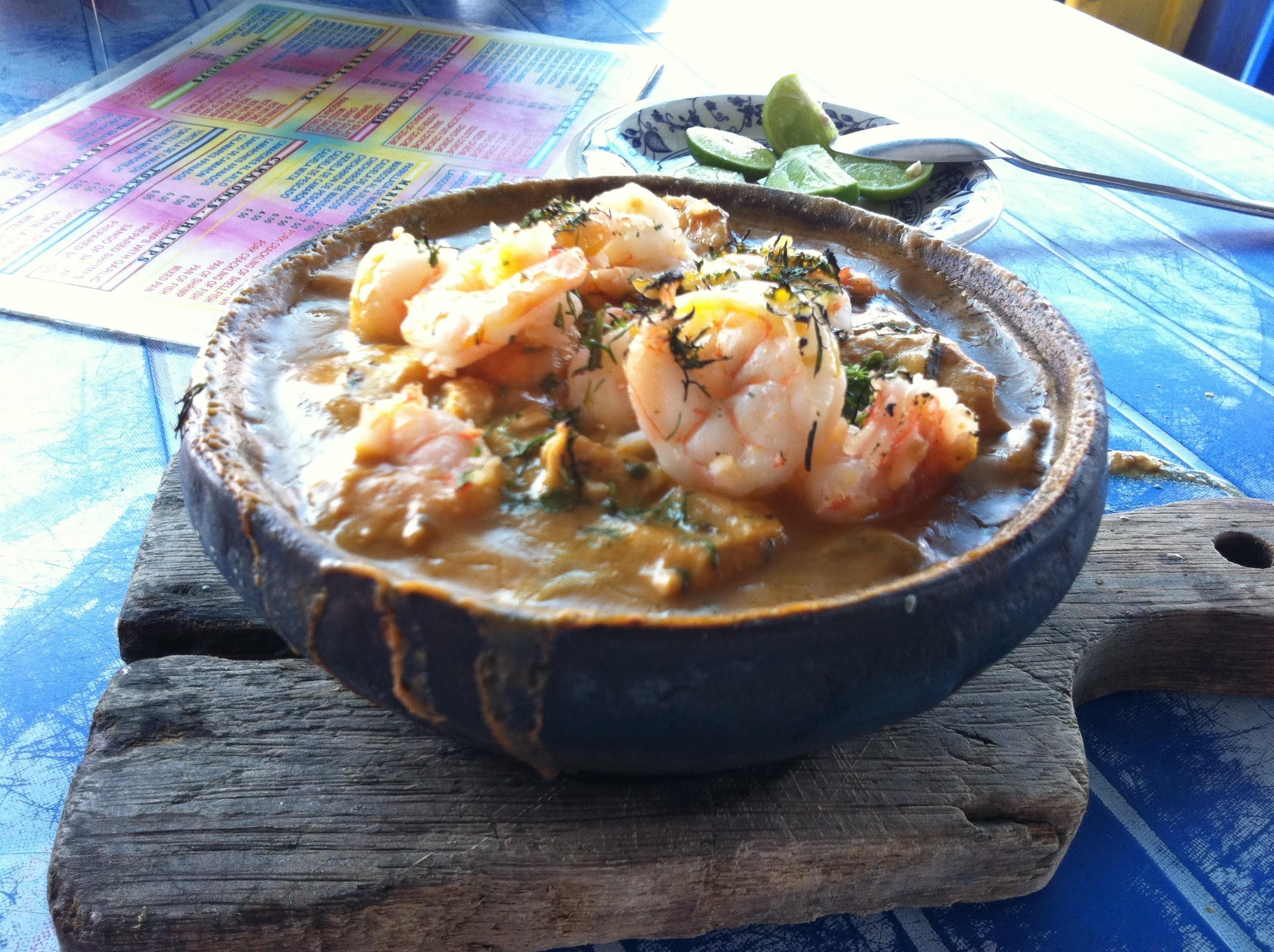 エクアドル観光で食べるべき郷土料理5選