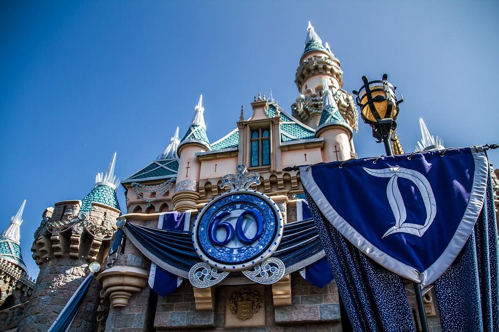60th記念!カリフォルニア・ディズニーのダイヤモンド・セレブレーョンが感動的