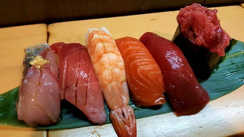 安い!旨い!築地でお得にお寿司を食べるならココ!