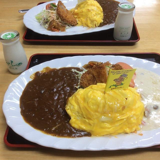 北海道富良野市のご当地グルメ「富良野オムカレー」おすすめ店5選
