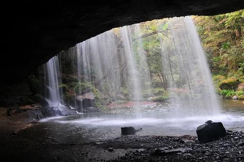 水のカーテン熊本・鍋ヶ滝!森林にある美しい滝を見に行こう