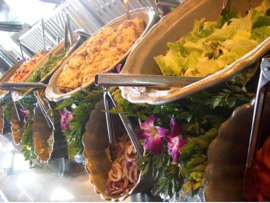 ワイキキでBBQ!ビーチフロントのレストラン『ショアバード・レストラン&ビーチバー』特集