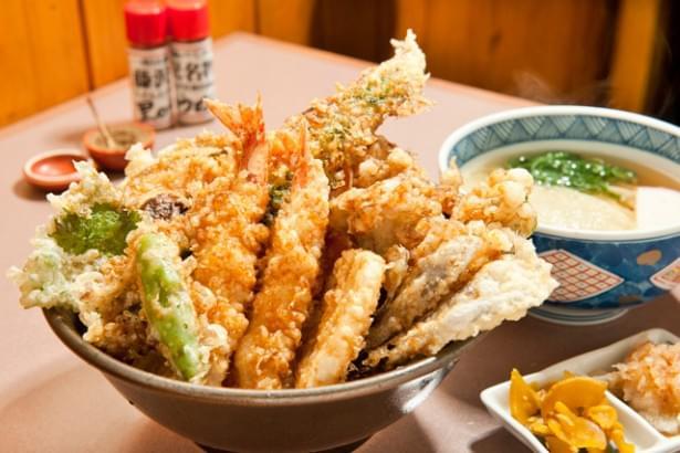 一度は食べてみて!藤沢「里のうどん」のバラ丼セットはリピーター続出の絶品丼