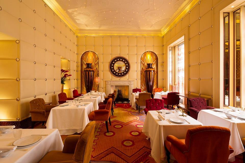 ロンドン旅行で必ず行きたい!「スケッチ」のオシャレ空間と卵形トイレ