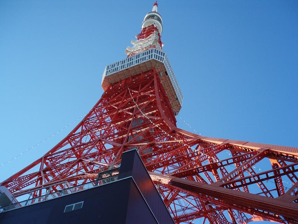 131メートルの高さを誇る京都タワーの魅力とは!?