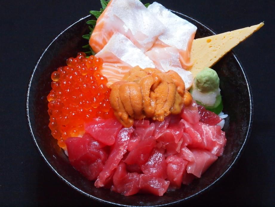 築地市場築地周辺おすすめ海鮮丼のお店4選をご紹介!ランチは海鮮で決まり♪