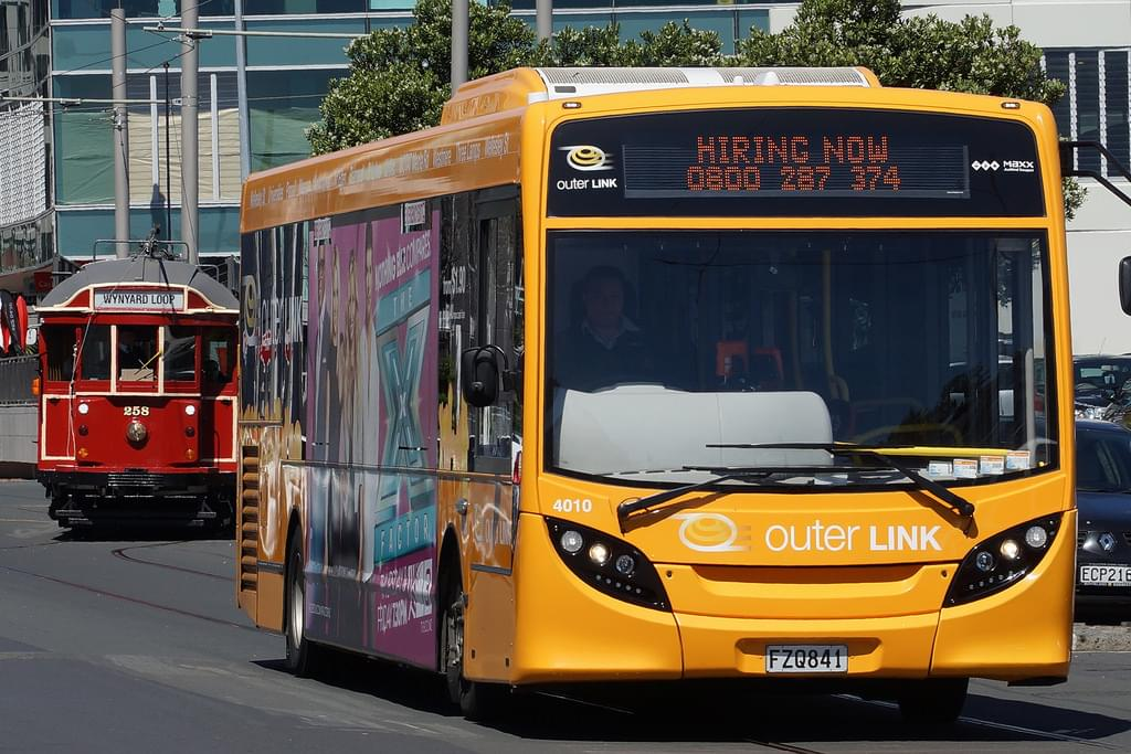 オークランドの移動におすすめ!バスの乗り方、料金、チケット購入方法まとめ