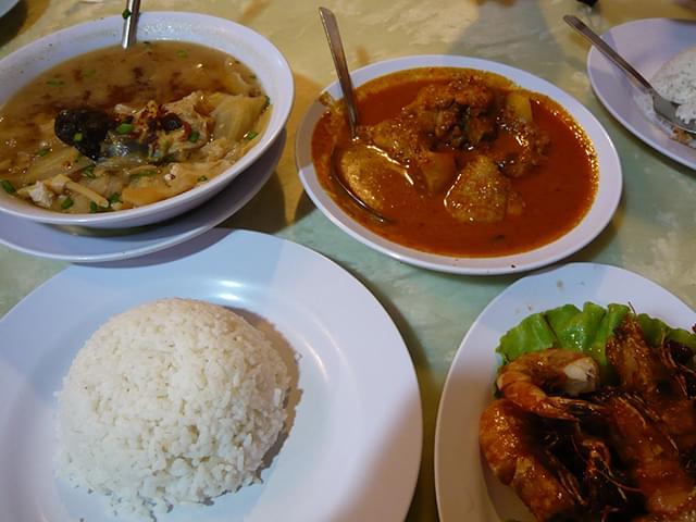 マラッカで多彩なマレーシアグルメ&ニョニャ料理を味わい尽くす!人気店まとめ