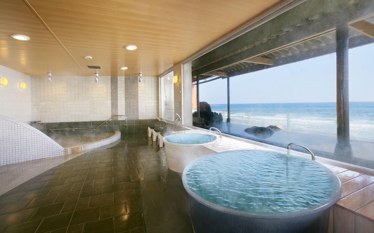 銚子市・犬吠埼観光ホテルで太平洋を眺めながら温泉を満喫!