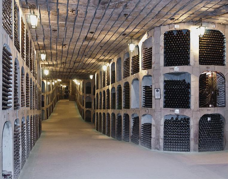 モルドバの首都キシナウとワイナリー3選!ワインが美味しい国を満喫!