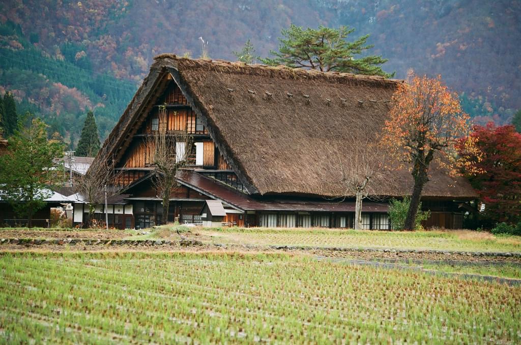 【世界遺産】合掌造り家屋に泊まれる!白川郷を満喫できる旅館3選!