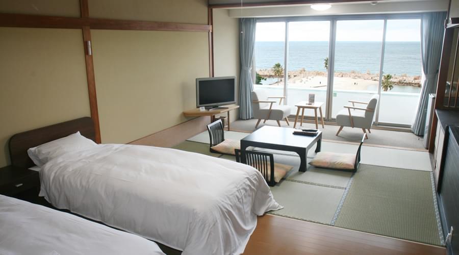 【白浜】白い砂が美しい白良浜ビーチ沿いのの海が見える絶景の温泉旅館6選!おすすめはココ!