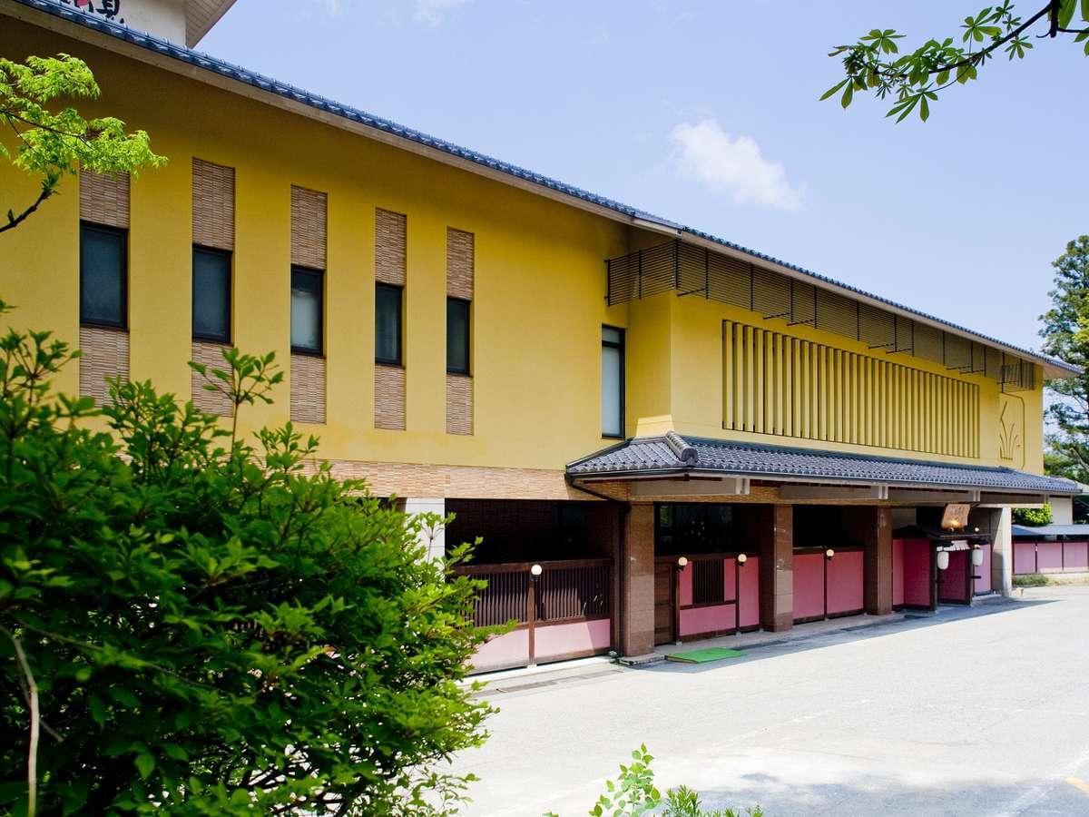 山中温泉おすすめの旅館9選!山中漆器と九谷焼の伝統美と自然を楽しみながら湯に浸かる♪