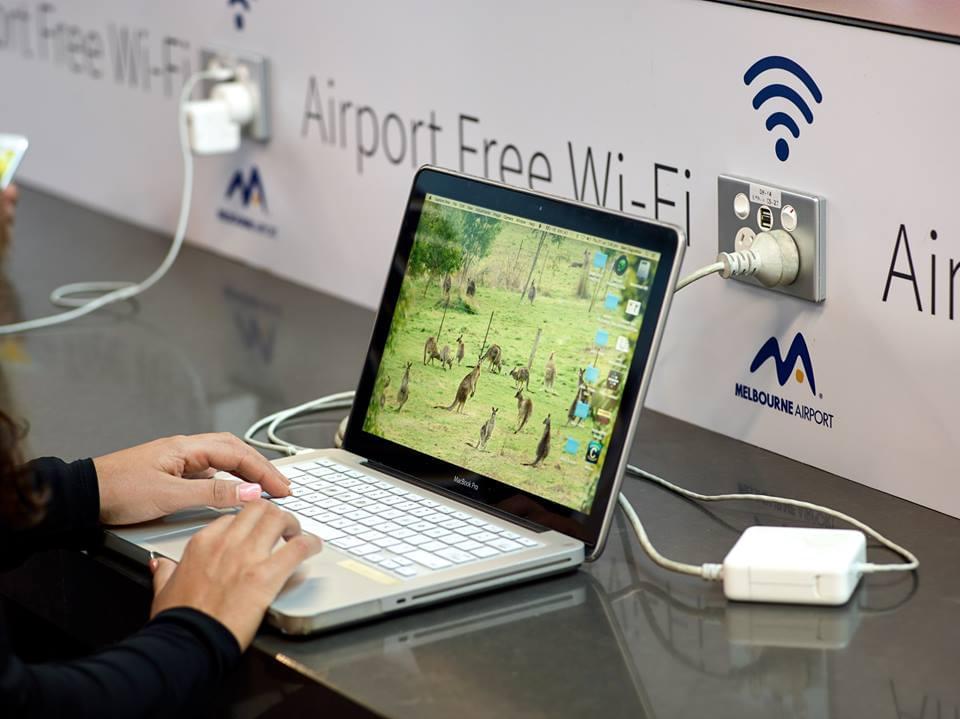 メルボルン国際空港(MEL)完全ガイド!市内へのアクセスと空港での過ごし方まとめ!