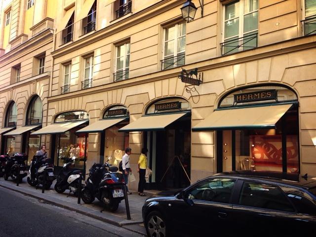 パリで憧れのブランドショッピング!フランス発のハイブランド本店めぐり