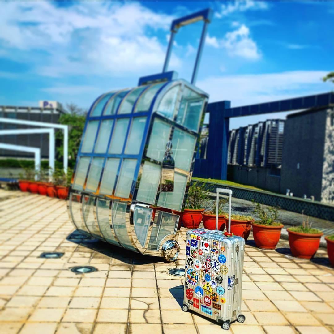 海外旅行のおすすめショルダーバッグ15選!価格や使い心地もご紹介!