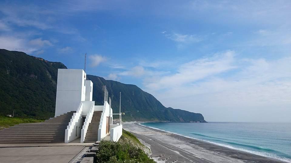 新島のマリンレジャースポット15選!釣り・サーフィン・海水浴・ダイビング・レンタル情報もご紹介